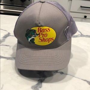 Bass pro shops trucker hat 🔥🔥